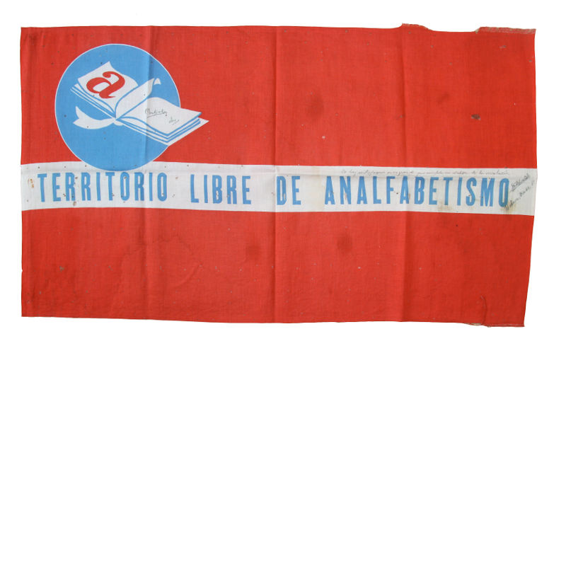 Castro and Guevara signed flag